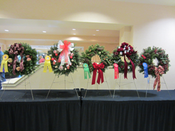 2013-decorated-wreaths